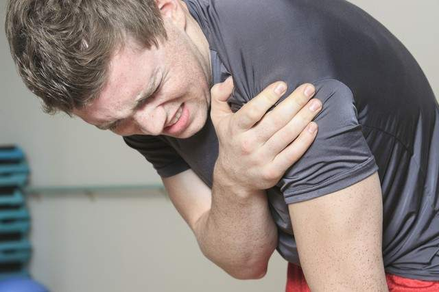 shoulder pain Carnegie